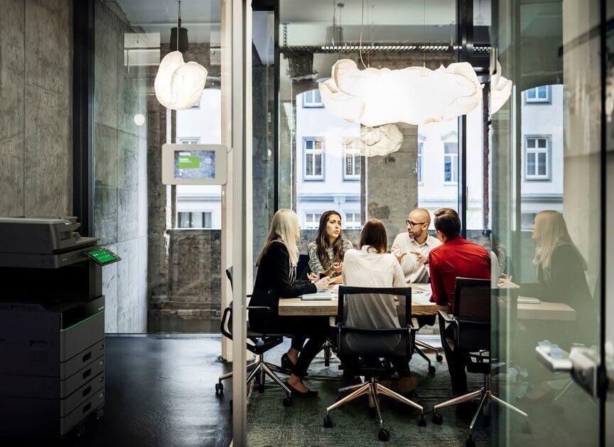 Als specialist in kopieermachines kan All Office Van den Corput ook uw bedrijf helpen om de documentenstroom, intern en extern te optimaliseren.