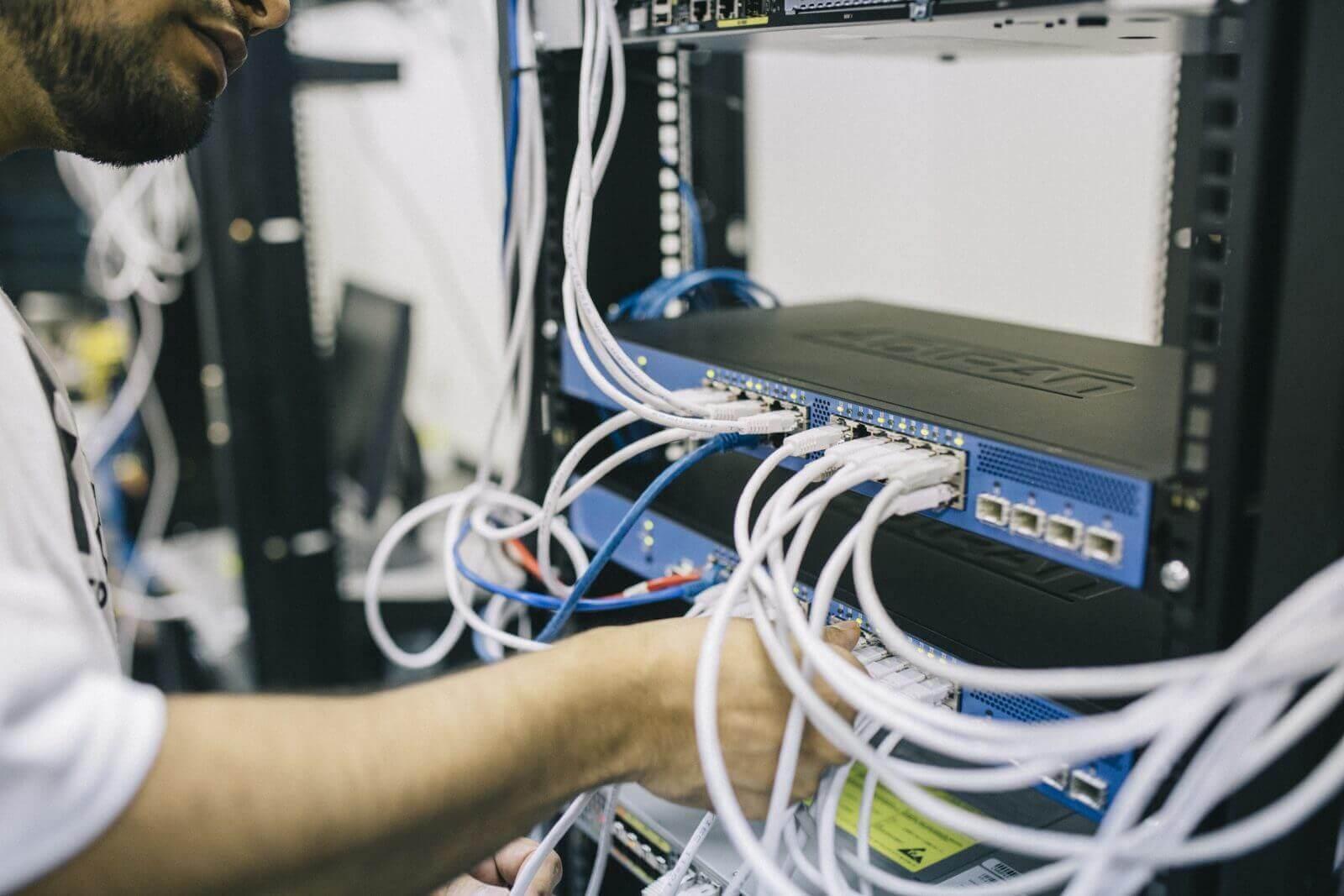 Voor al uw ICT diensten: Beheer en ondersteuning, VoiP Telefonie, Clouddiensten, Office 365, Hardware en Software. Persoonlijk, direct en flexibel.